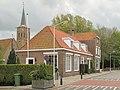 Biervliet, straatzicht met kerk Onze Lieve Vrouwe Onbevlekt Ontvangen foto9 2013-05-13 14.53.jpg