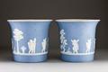 Blå blomkrukor i porslin från 1800-talets början - Hallwylska museet - 93877.tif