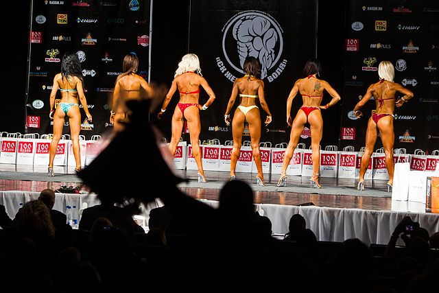 Bodybuilding and fitness bikini open tournament in Kaliningrad (2016-10-16) 02.jpg