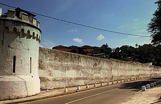Bogambara Prison - Bogambara Prison Road View
