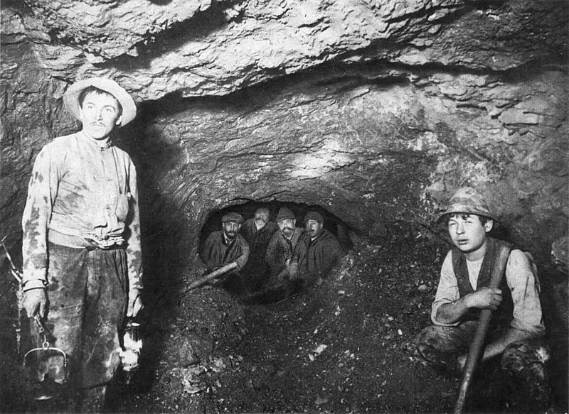 Miners digging the Bosruck railway tunnel