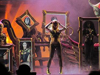Femme Fatale Tour - Image: Britney DDB FFT Detroit