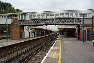 Brockenhurst railway station - Former footbridge in 2010, now replaced by a modern accessible structure with lifts.