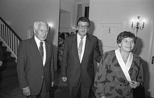 Ernst Jünger - Jünger (left) and his wife Liselotte at a reception of the President of the Bundestag,  Philipp Jenninger in 1986.