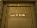 Bunkr Parukářka, dřevěné dveře.jpg