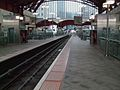 Canary Wharf DLR stn centre track look south.JPG
