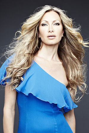 English: Image of the model Caprice Bourret