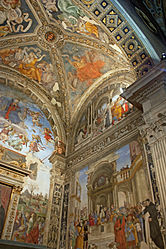 Carafa chapel right 2010.jpg