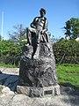 Carl Eldh, Den unge Strindberg i skärgården, skulptur i Bellevueparken, 2014a.jpg