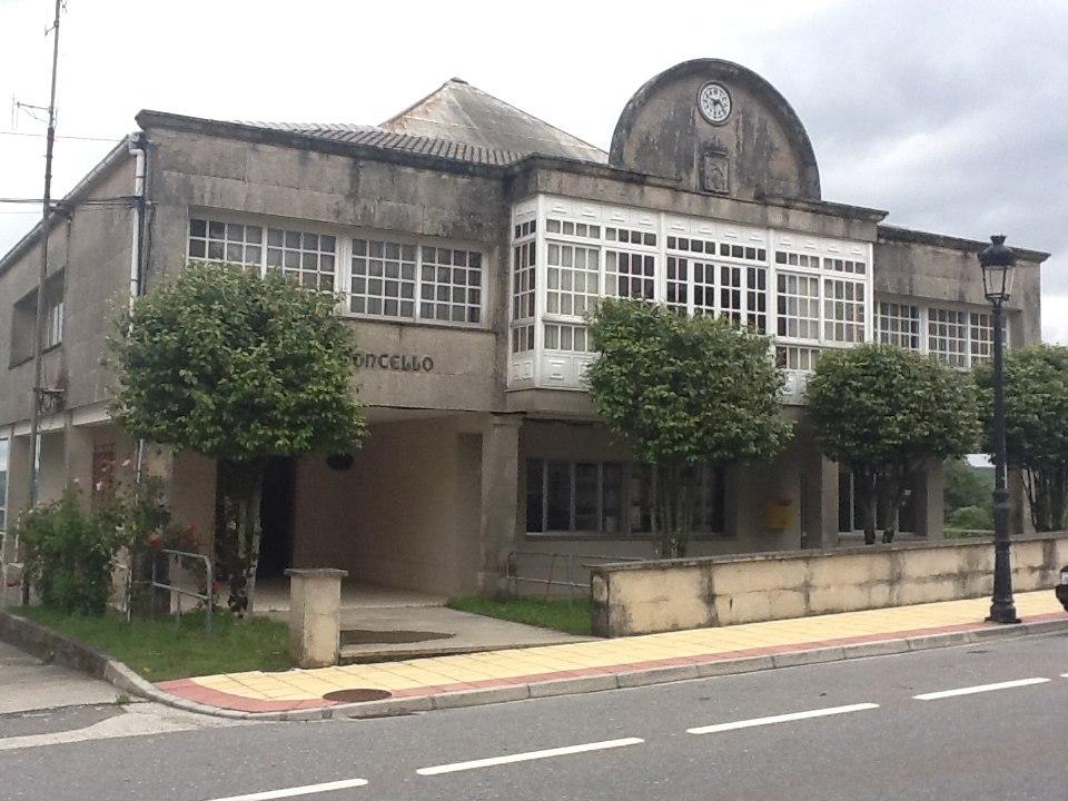 Casa do Concello de Dozón