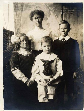 Humphrey Cobb - Humphrey Cobb, right, is seen with his family December 24, 1908 at the Casa Guidi in Florence, Italy. With his younger sister Virginia and brother Arthur they pose with their mother Alice Littell Cobb, M.D., recently widowed.