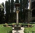 Casagrande dei serristori, giardino, colonna con la croce 02,5.jpg