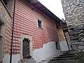 Castello di Introd particolare mura interne 01.jpg