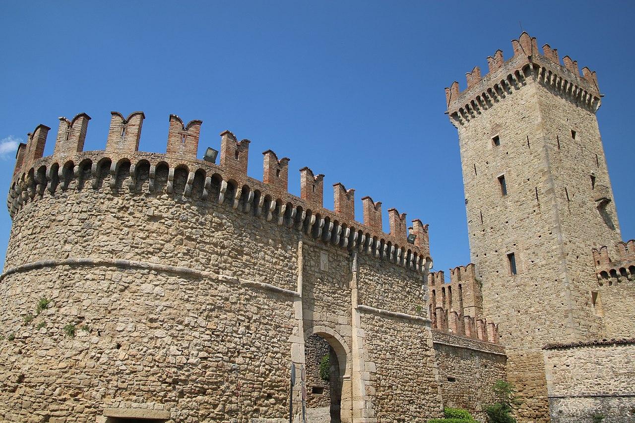 Castello di Vigoleno (Vernasca) 16.jpg