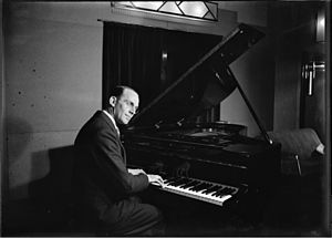 Australian jazz - Ces Morrison at the piano circa 1930 from the Tom Lennon collection, courtesy of the Powerhouse Museum