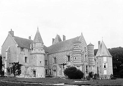Comment aller à Château D'Alaincourt en transport en commun - A propos de cet endroit