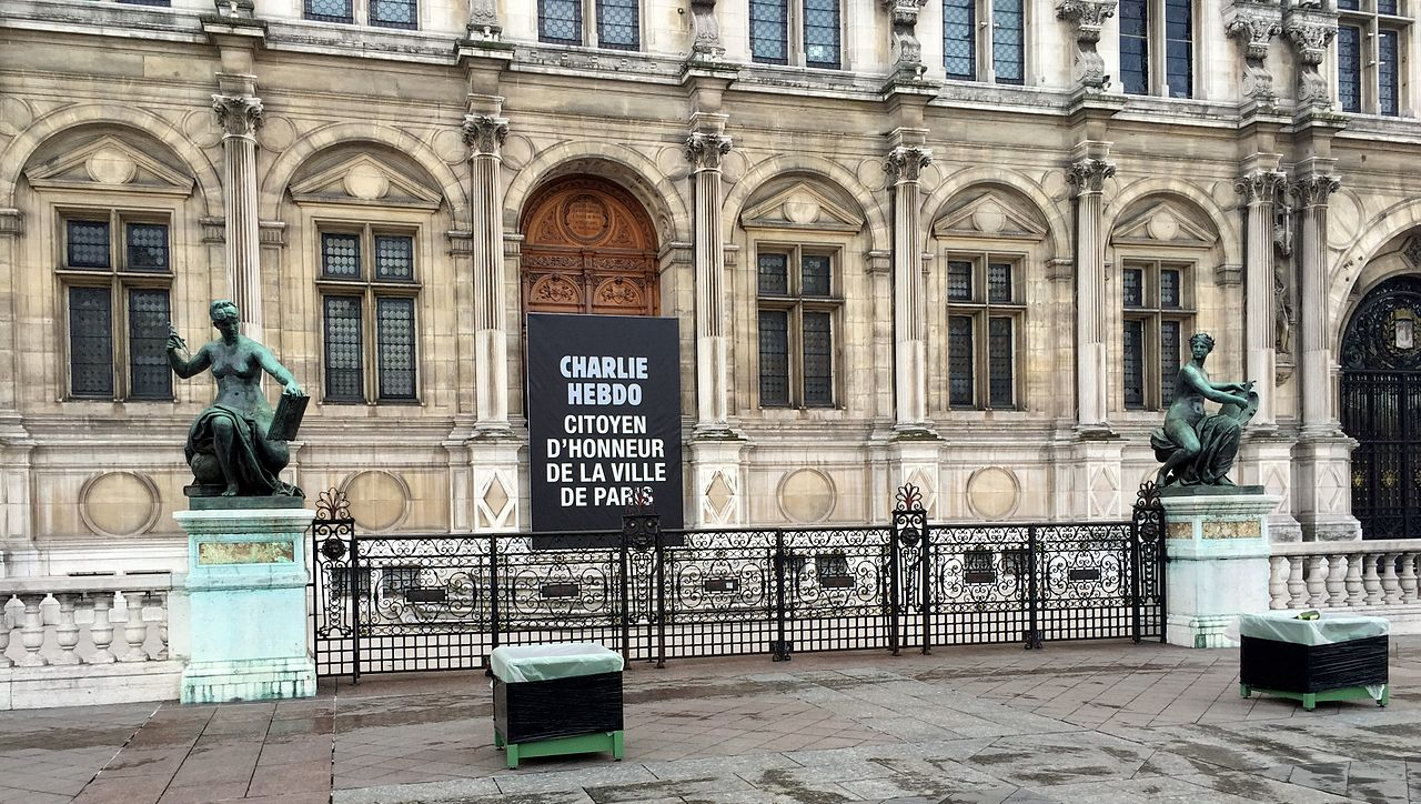 Charlie Hebdo citoyen d'honneur - mairie de Paris - 2.JPG