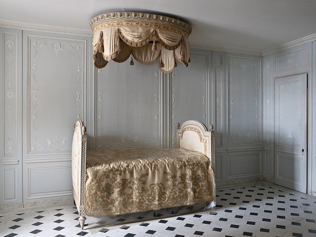 File chateau versailles petit appartement reine salle de - Les petits meubles de marie ...