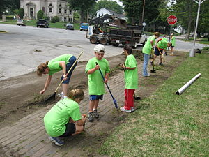 Children volunteering