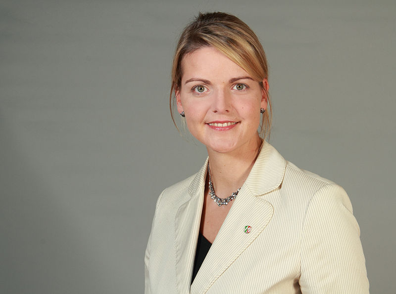 File:Christina Schulze-Föcking CDU 3 LT-NRW-by-Leila-Paul.jpg