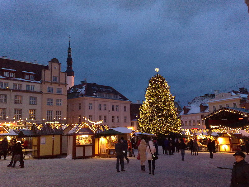 Fail:Christmas Market in the Town Hall Square.jpg