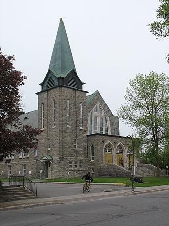 Boulevard Saint-Joseph - A church at Boulevard St Joseph near Terminus d'autobus de Gatineau.