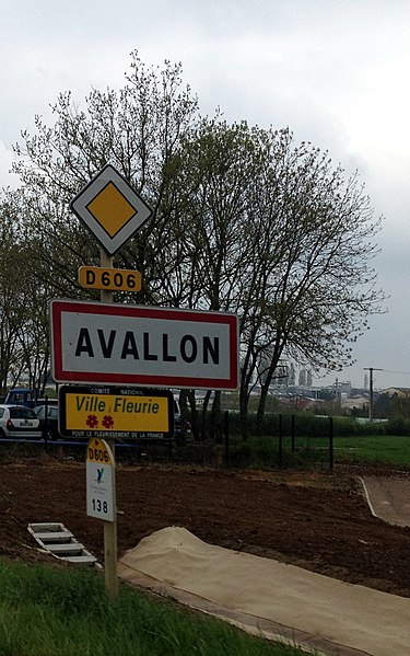 City limit sign of Avallon (Yonne).