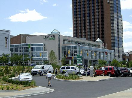 St. Clair College campus on Riverside Drive Cleary StClaircollege Windsor.jpg