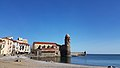 Collioure - Plage et église ND-des-Anges.jpg