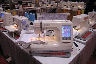 Computerized embroidery machine singer