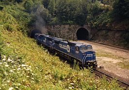 Conrail 6169 verlaat de Gallitzin Tunnel in 1993.