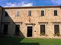 Cortile Interno Castello di Bardi.jpg