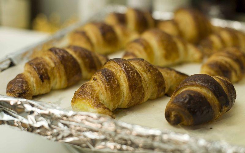 File:Croissant (Michel Roux recipe) (5676276528).jpg