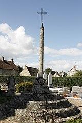 croix de cimetière de Gouzangrez