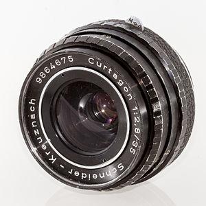 Schneider Kreuznach - 1:2.8/35mm Curtagon lens in M42 screw mount
