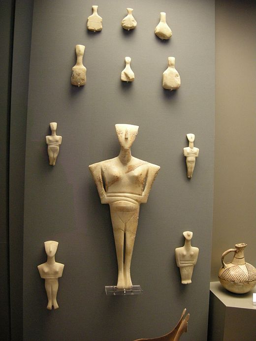 Cycladic figurines, of the FAF type below, in the National Archaeological Museum of Athens Cycladic idol 02.JPG