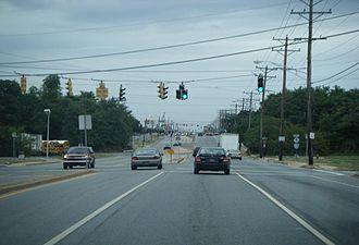 Delaware Route 9 - DE 9 northbound at Castle Hill Drive/Buttonwood Avenue north of New Castle
