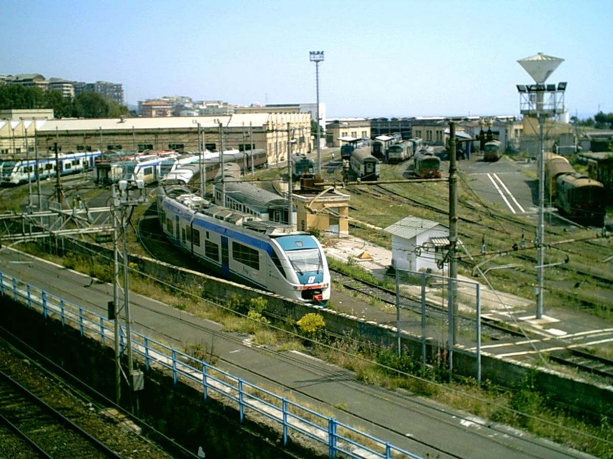 Deposito locomotive di catania wikipedia for Corso arredatore d interni catania