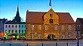 Das Kompagnietor in Flensburg ist seit 1602 als Versammlungsstätte im Einsatz und ist ein innen und außen sehenswertes Gebäude an der Schiffbrücke - Skibbroen . Es ist das Hauptquatier der Europäischen Zentrums f - panoramio.jpg