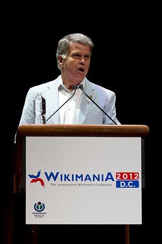 David Ferriero - Ferriero keynoting at Wikimania 2012