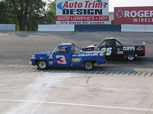 Delaware Speedway - Delaware Trucks racing in practice in 2006