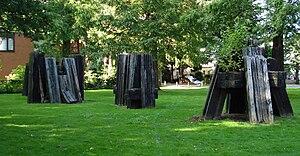 Joop Beljon - Image: Denhaag kunstwerk acht objecten