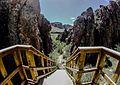 Descenso entre las rocas.jpg