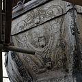 Detail van een schildering op de met lood beklede torenspits, tijdens de restauratie - Edam - 20379426 - RCE.jpg