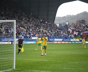Dion Dublin - Dion applauds Norwich City fans before kick-off in his final appearance for the Canaries, Hillsborough, 4 May 2008