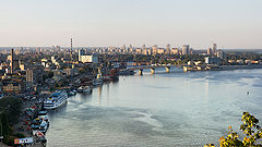 https://upload.wikimedia.org/wikipedia/commons/thumb/4/4f/Dniepr_river_in_Kyiv.jpg/240px-Dniepr_river_in_Kyiv.jpg