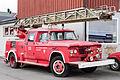Dodge 500 mit Feuerwehr-Drehleiteraufbau.jpg