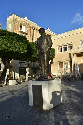 Dom Mintoff - Monument of Dom Mintoff in Cospicua