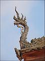 Dragon sur la toiture du sanctuaire du Vat Sisaket (Vientiane) (4342114730).jpg
