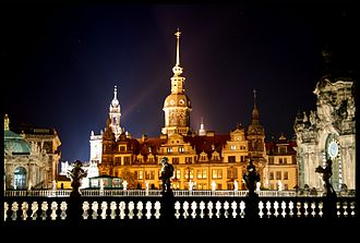 Dresden Castle - Image: Dresdener Schloss bei nacht